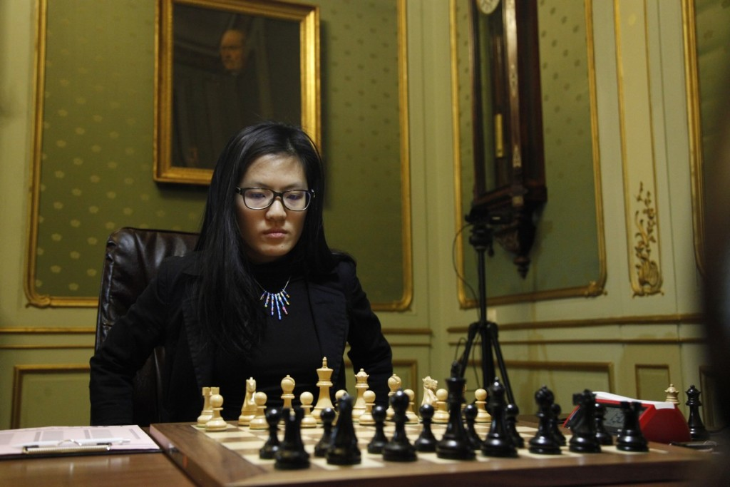 Hou Yifan before the game