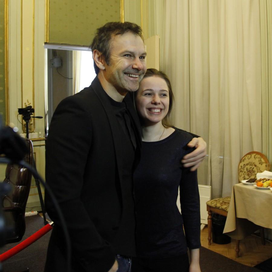 Photo by Anastasiya Karlovich. Maria Muzychuk and Sviatoslav Vakarchuk posing to cameras