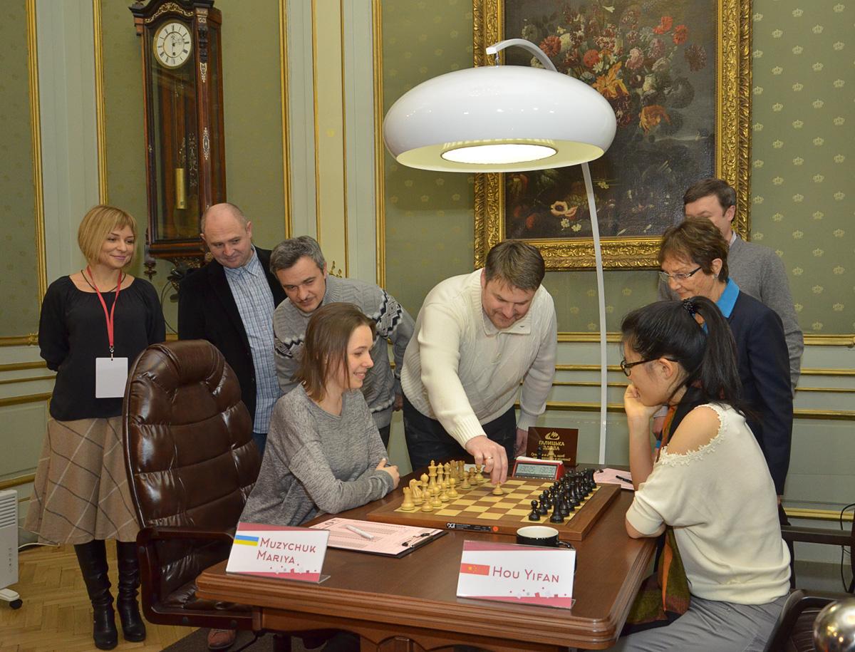 chess-women-Lviv_2016-03-12_7189sa_KOV